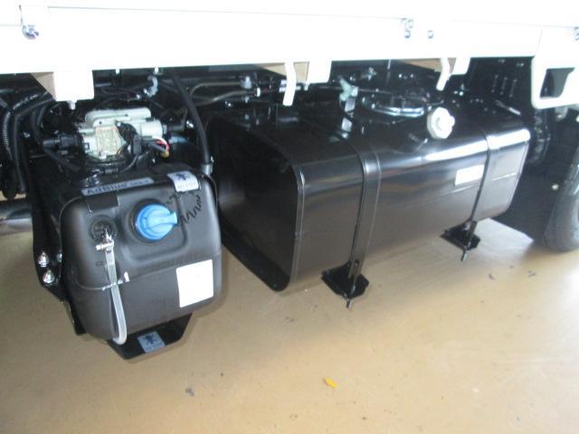 新型カスタム150馬力HID全低床2トン衝突軽減B純正メッキ(20枚目)