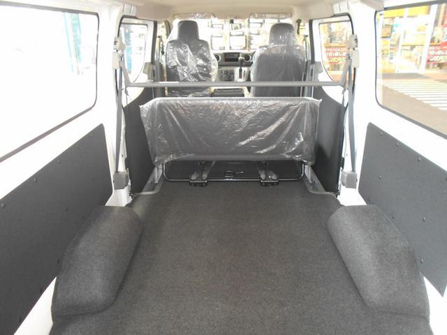 日産 NV350キャラバンバン ロングDXターボ 低床 6人乗り LEDヘッドライト