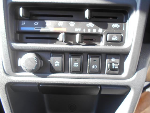 GX 4WD 純正CDオーディオ 5MT キーレス(3枚目)