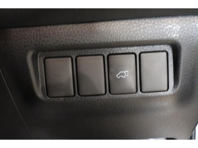 プレミアム 衝突被害軽減システム 純正SDナビ 盗難防止システム ETC2.0 ステアリングスイッチ AW LEDヘッドランプ オートライト オートマチックハイビーム バックカメラ フルセグTV 電動リアゲート(9枚目)