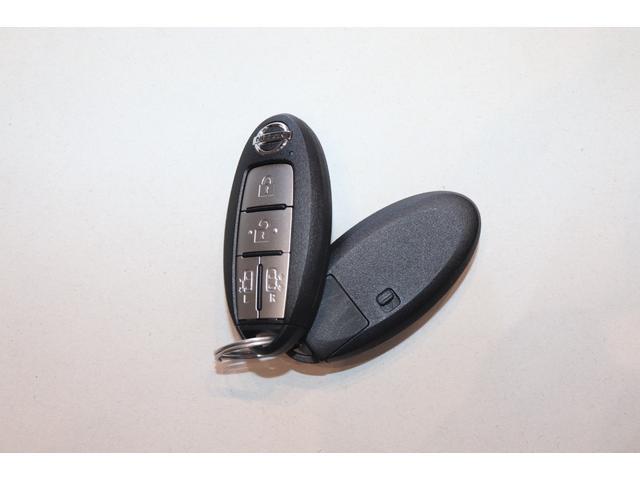 X Vセレクション 衝突被害軽減システム 純正SDナビ 8人乗 オートライト アイドリングストップ 両側電動スライドドア 電動格納ミラー クルーズコントロール ETC  Bluetooth接続 全周囲カメラ  Bカメラ(14枚目)
