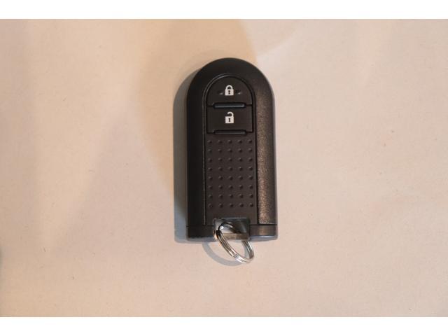 カスタム X ハイパー CDオーディオ アイドリングストップ スマートキー ステアリングリモコン オートライト 14インチAW 電動格納ミラー 盗難防止システム LEDヘッドライト フォグランプ ハーフレザーシート(11枚目)