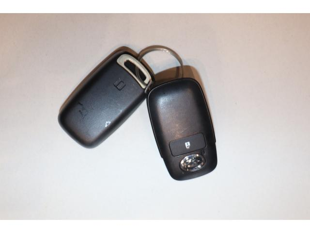 G 衝突被害軽減ブレーキ アルミホイール スマートキー 衝突安全ボディ 盗難防止システム クルーズコントロール レーンアシスト LEDヘッドランプ オートライト シートヒーター 電動格納ミラー ABS(10枚目)