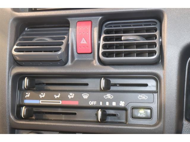 X 衝突被害軽減システム LEDヘッドライト フルセグTV 盗難防止システム CD DVD再生 ミュージックサーバ Bluetooth接続 キーレス マニュアルエアコン エアバッグ 助手席エアバッグ(6枚目)