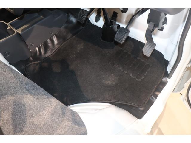 X 衝突被害軽減システム LEDヘッドライト フルセグTV 盗難防止システム CD DVD再生 ミュージックサーバ Bluetooth接続 キーレス マニュアルエアコン エアバッグ 助手席エアバッグ(11枚目)