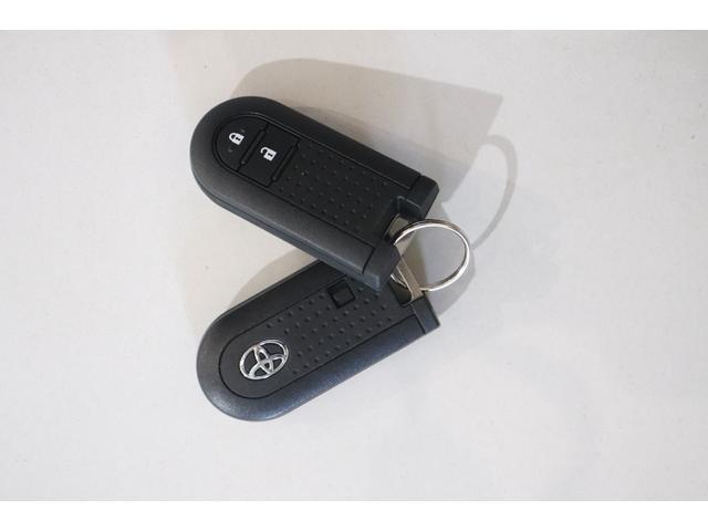 モーダ Gパッケージ 衝突被害軽減ブレーキ 純正SDナビ フルセグTV 純正アルミホイール LEDヘッドランプ バックカメラ Bluetooth接続 オートライト 電動格納ミラー スマートキー 盗難防止システム CD(11枚目)