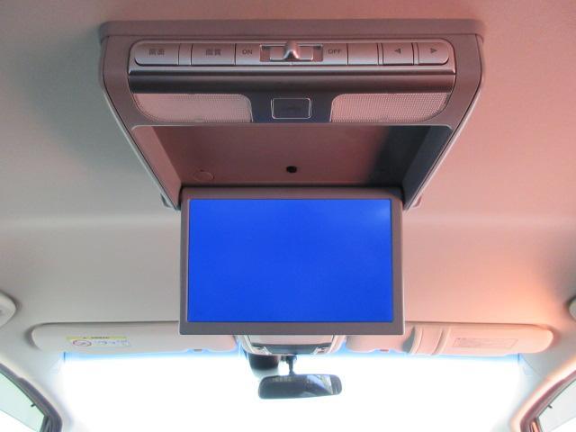後席フリップダウンモニター付なのでセカンド&サードシートからもDVDビデオや地デジTVが大画面で楽しめます!