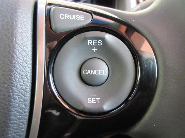 ステアリングスイッチ(右側)ではオートクルーズコントロールの設定操作が出来ます!