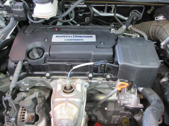 カタログ燃費14.0Km/l 直列4気筒190馬力エンジン!