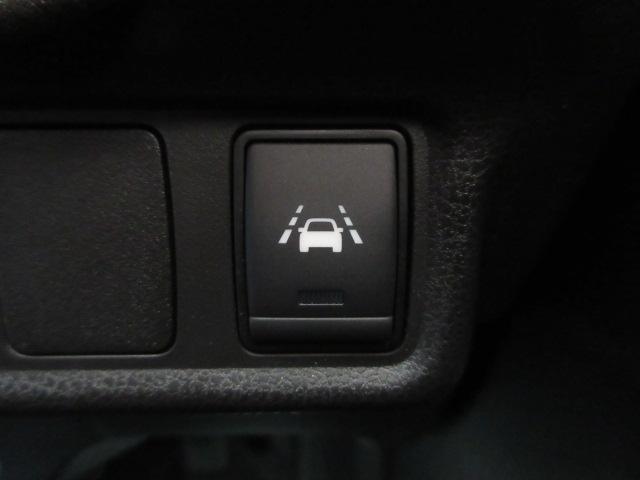 LDW(車線逸脱警報)等の安全装備も充実の上級モデル!