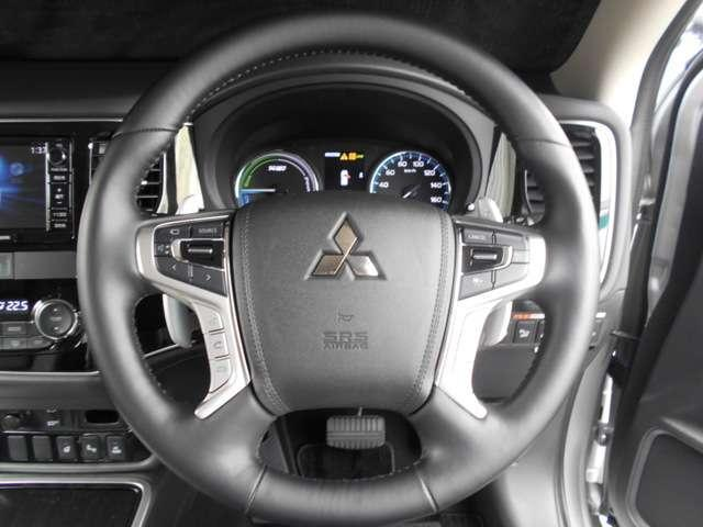 2.0Gナビパッケージ 4WD 元当社試乗車 後側方検知(3枚目)