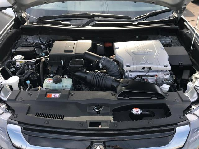 2.0Gナビパッケージ 4WD 元当社試乗車 後側方検知(8枚目)