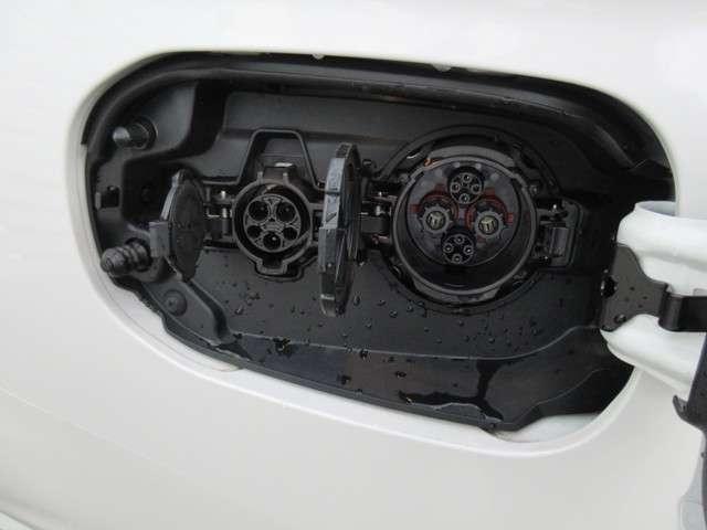 Gプレミアムパッケージ 4WD 革シート 電気温水ヒーター(17枚目)