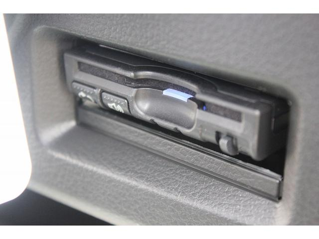 豪華11点セットのETCは音声案内でフロントガラスにスピーカーとLED表示で使いやすいです