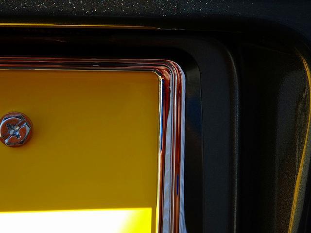 ステアリングリモコン接続(装備車に限る)ちょっと気遣いセット(ダイヤル車庫ステッカーを貼らずリヤガラスステッカーを剥がす)ナビのナビインチアップも承ります