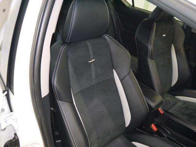 運転席のシート周りです。