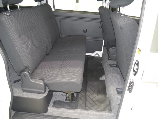 品質へのこだわり!車内のニオイ対策として、オゾン発生機で エアコン内気循環し、車内全体に広がるニオイの成分を分解します。