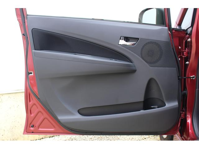 カスタム X SA 衝突被害軽減ブレーキ LEDヘッドランプ 衝突被害軽減ブレーキ LEDヘッドランプ スマートキー オートエアコン プライバシーガラス 4人乗り CDプレーヤー プッシュスタート(33枚目)