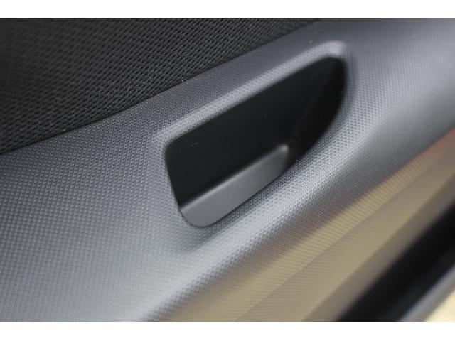 カスタム X SA 衝突被害軽減ブレーキ LEDヘッドランプ 衝突被害軽減ブレーキ LEDヘッドランプ スマートキー オートエアコン プライバシーガラス 4人乗り CDプレーヤー プッシュスタート(34枚目)