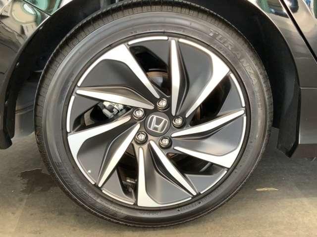 EX・ブラックスタイル Honda SENSING ブラインドスポットインフォメーション Honda インターナビ+リンクアップフリー+ETC2.0車載器〈ナビゲーション連動〉18インチアルミホイール(19枚目)