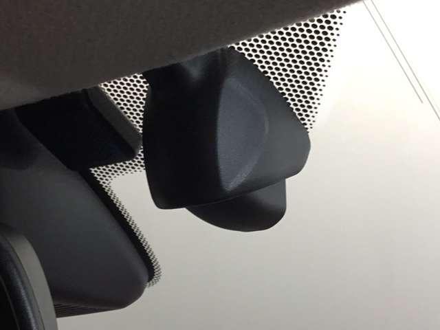 オリジナル 当社デモカー 8インチナビ/Bluetooth・DVD再生・録音・フルセグ/ 衝突軽減ブレーキ(車線認識)・前後ドライブレコーダー・LEDヘッドライト(5枚目)