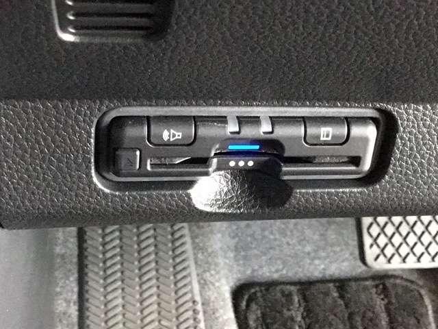 オリジナル 当社デモカー 8インチナビ/Bluetooth・DVD再生・録音・フルセグ/ 衝突軽減ブレーキ(車線認識)・前後ドライブレコーダー・LEDヘッドライト(15枚目)