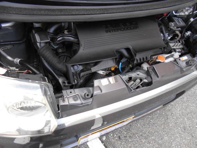 インタークーラーターボエンジンでパワーもバッチリ!!エンジンも快調です!!タイミングベルトもチェーンで交換は不要です!!