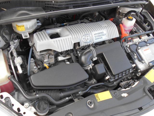 1.8Lハイブリットエンジンです!!エンジンルームも綺麗な状態です!!エンジンコンディションもGoo!!