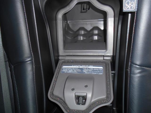 リア席にはCOOLBOX機能も付いています!!