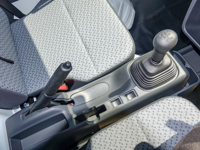 M 4WD 5速マニュアル 届出済未使用車(13枚目)