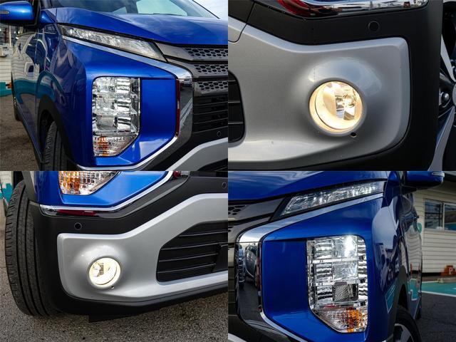 上2段がロービーム、下1段がハイビームの左右6灯の明るいヘッドライト。フォグランプも装備して夜のドライブでも高い視認性を確保しています。