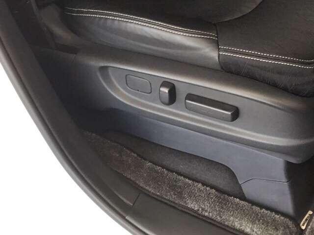 ハイブリッドアブソルート・ホンダセンシングEXパック ワンオーナー 8インチナビ/Bluetooth対応・DVD再生・フルセグ・録音対応/ リアフリップダウンモニター ブラインドスポット フロントセンサー(8枚目)