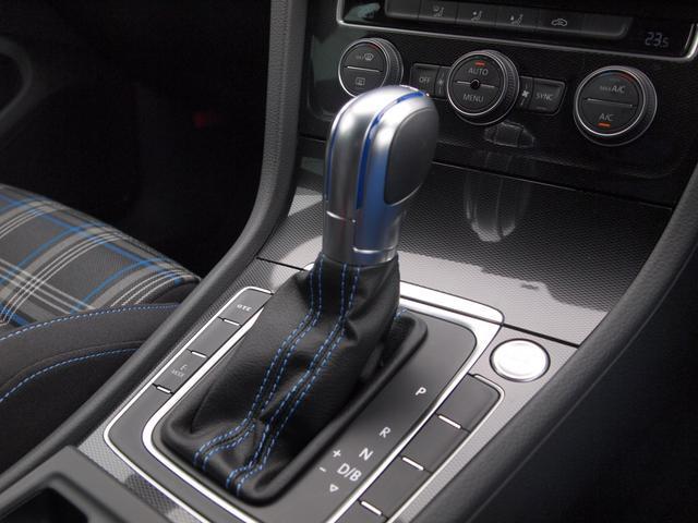 ★VWならではの技術。オートマティックのような滑らかなシフトチェンジが行え、スムーズな加速はもちろん、パワーロスが少なく燃費も向上!!ドライブの楽しみが増えます★