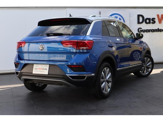 VWのデザイン。時代を反映したエッセンスを加えながらも、一時の流行や見た目だけのインパクトに流されないデザインは、シンプルでピュア、普遍的な美しさを生み出しています