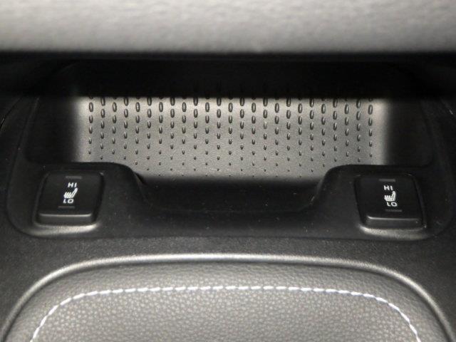S ミュージックプレイヤー接続可 バックカメラ 衝突被害軽減システム ETC ドラレコ LEDヘッドランプ(10枚目)