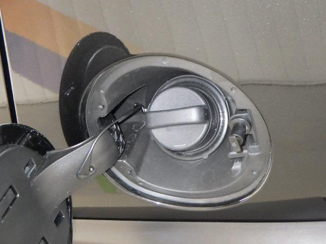 Gターボ DVD再生 ミュージックプレイヤー接続可 バックカメラ 衝突被害軽減システム LEDヘッドランプ アイドリングストップ(17枚目)