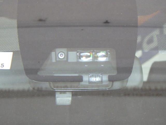 Si ダブルバイビーII フルセグ メモリーナビ DVD再生 ミュージックプレイヤー接続可 バックカメラ 衝突被害軽減システム ETC 両側電動スライド LEDヘッドランプ ウオークスルー 乗車定員7人 3列シート フルエアロ(18枚目)