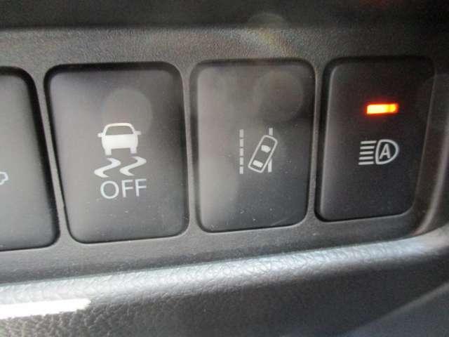 横滑り防止装置&車線逸脱防止警報がセーフティドライブをサポート致します♪