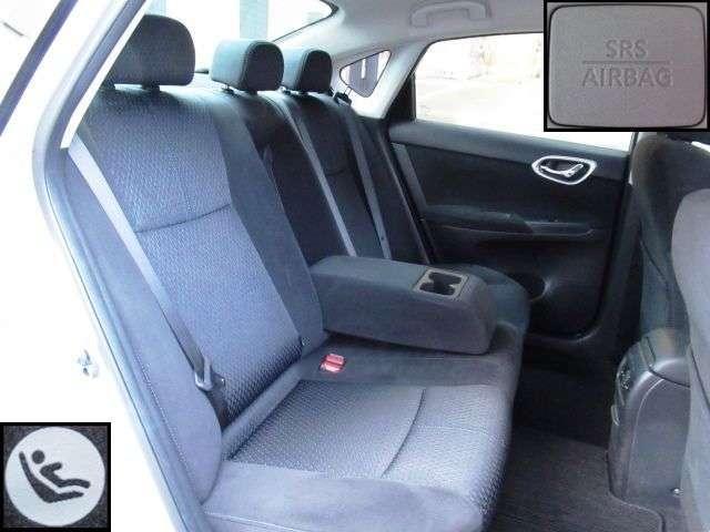 ゆったり後席!長距離も安心です。