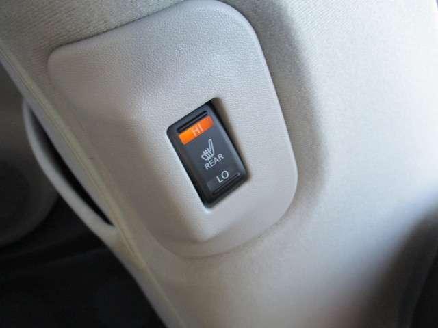 運転席・助手席の他にも後部座席のシートにもヒーターを装備しました。乗ってすぐに温かくなるので冬場にはとてもうれしい装備です。
