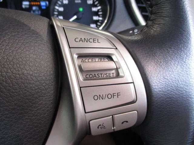 一定の速度をキープできる便利なクルーズコントロール搭載でロングドライブも楽々♪