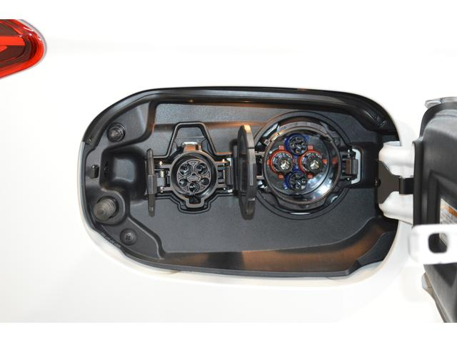 G 登録済未使用車 100V電源 サンルーフ 電動リヤゲート(9枚目)