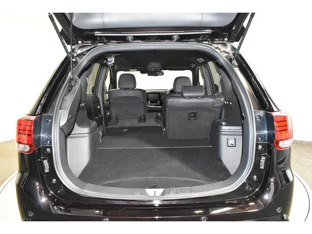オールブラックスエディション スマホ連携ナビ 電気温水式ヒーター AC100V電源 全周囲カメラ レーダークルーズ 後側方車両検知システム(14枚目)