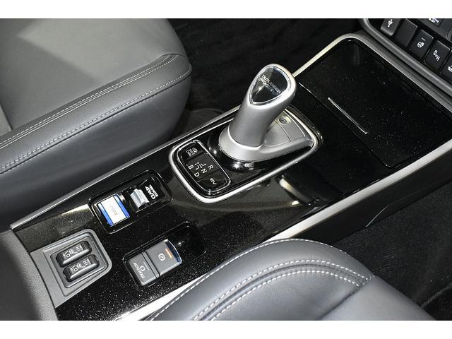 オールブラックスエディション スマホ連携ナビ 電気温水式ヒーター AC100V電源 全周囲カメラ レーダークルーズ 後側方車両検知システム(31枚目)