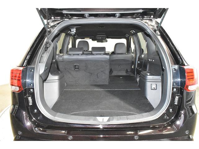 オールブラックスエディション スマホ連携ナビ 電気温水式ヒーター AC100V電源 全周囲カメラ レーダークルーズ 後側方車両検知システム(37枚目)