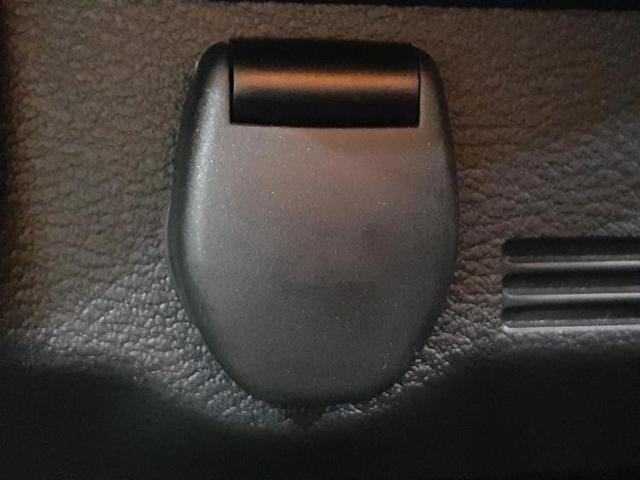 S エマブレ/EBD付ABS/横滑り防止装置/アイドリングストップ/エアバッグ 運転席/エアバッグ 助手席/エアバッグ サイド/パワーウインドウ/キーレスエントリー/パワーステアリング/オートライト(17枚目)