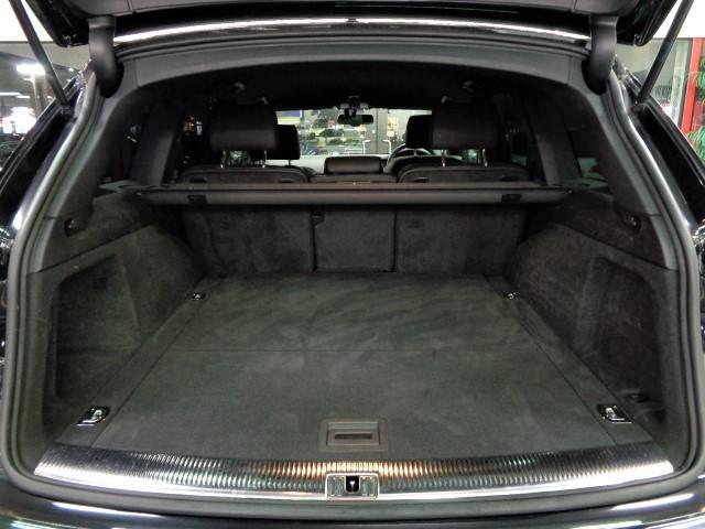 「アウディ」「アウディ Q7」「SUV・クロカン」「大阪府」の中古車24