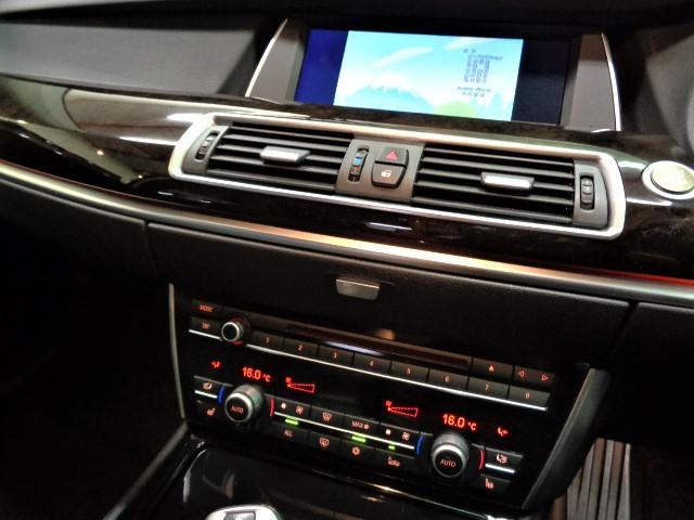 535iグランツーリスモ 黒革ウッドインテリアガラスサンルーフフルセグナビTVバックカメラFリップスポイラーローダウンサス20インチAW電動リアゲートクルーズコントロールパワーシートシートヒーター直6ターボ306PS8速AT(22枚目)