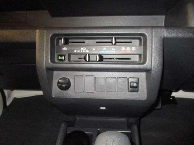 エアコン完備で車内も快適ですよ♪