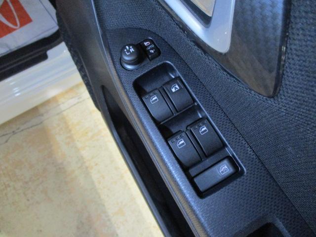 カスタムX LEDヘッドライト&フォグランプ・オートエアコン・スマ-トキ-・電動格納ドアミラ-・14インチアルミホイ-ル・オーディオレス・マット/バイザ-装備(8枚目)